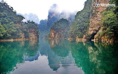 |Du lịch Trương Gia Giới| Say lòng trước thiên nhiên huyền ảo của hồ Bảo Phong