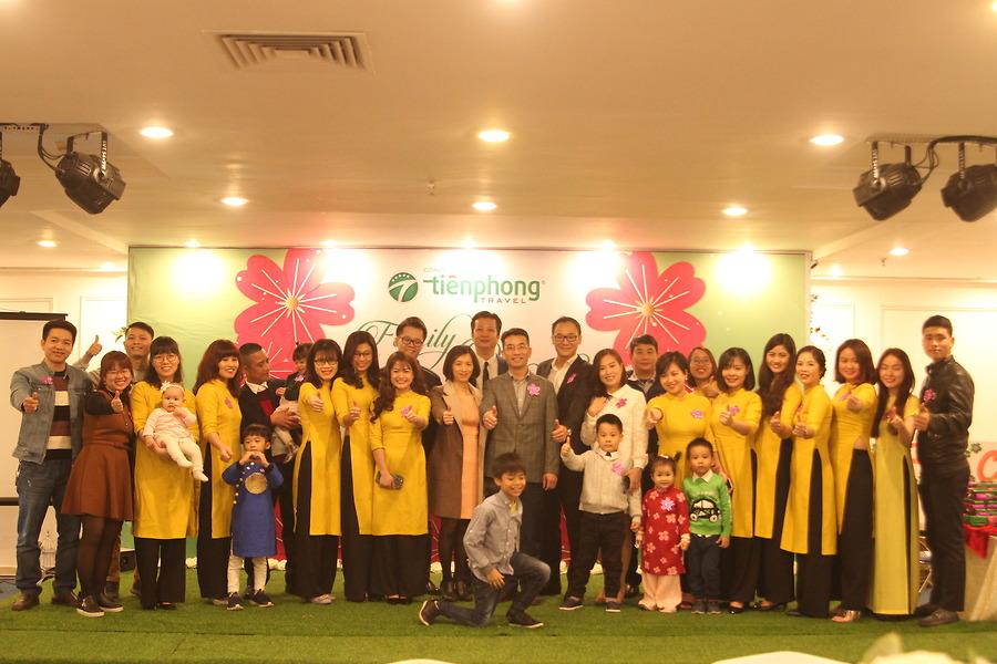 Đội ngũ nhân viên Tiên Phong Travel