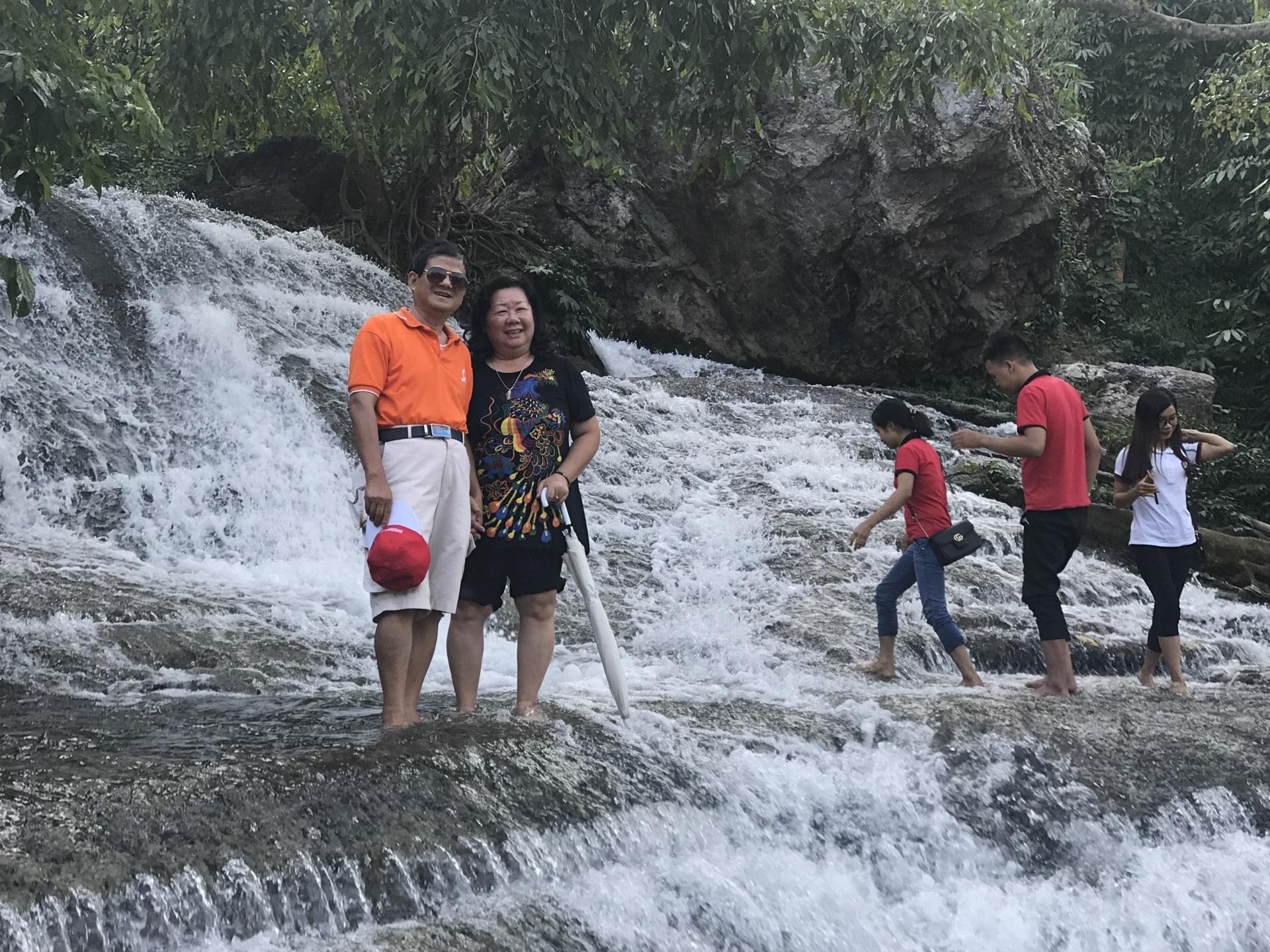 Cô Cẩm Hà - Tour Bắc Sơn - Khởi hành 3-11-2018