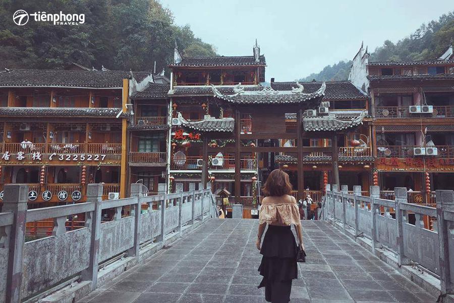 Cẩm nang du lịch Phượng Hoàng cổ trấn - Trương Gia Giới
