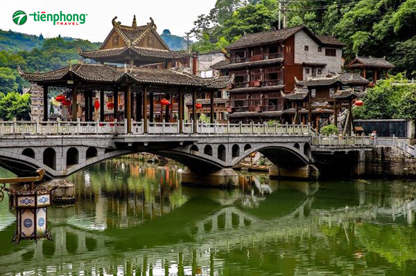 du lịch Phượng hoàng cổ trấn - Những cây cầu tiêu biểu cho vẻ đẹp trấn cổ