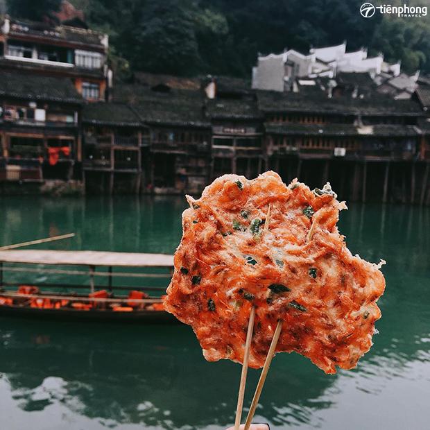 Top 5 món ăn đương phố ngon nhất ở Phượng Hoàng cổ trấn