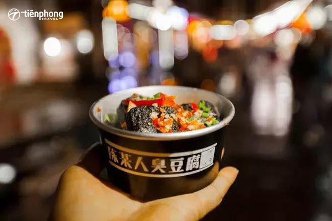 Top 5 món ăn đường phố ngon nhất Phượng Hoàng cổ trấn