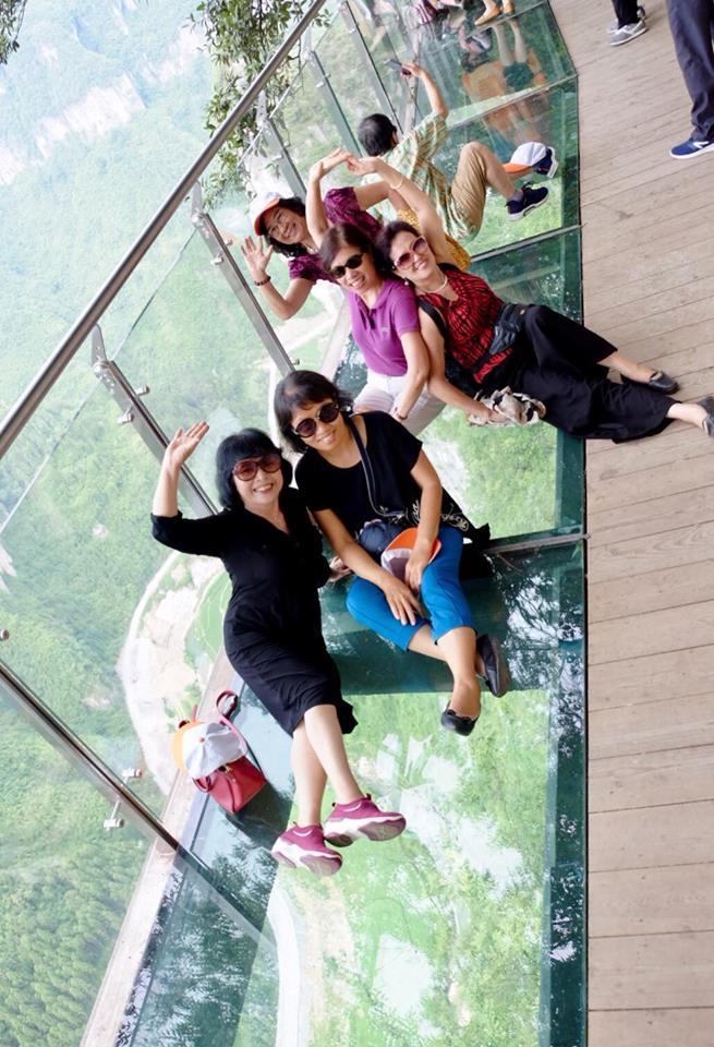 tour phượng hoàng cổ trấn trương gia giới cầu kính skywalk 5