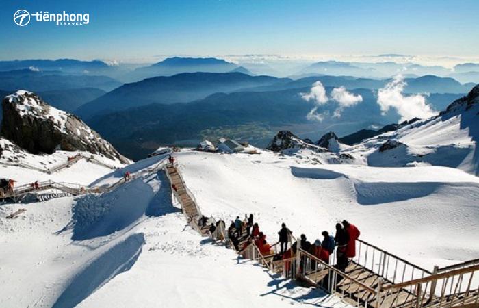 Núi tuyết Ngọc Long ở Lệ Giang