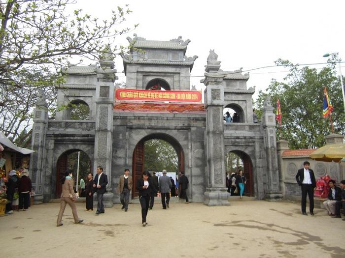 Du lịch Đền Sòng - đền Cô Chín - suối Cá Thần