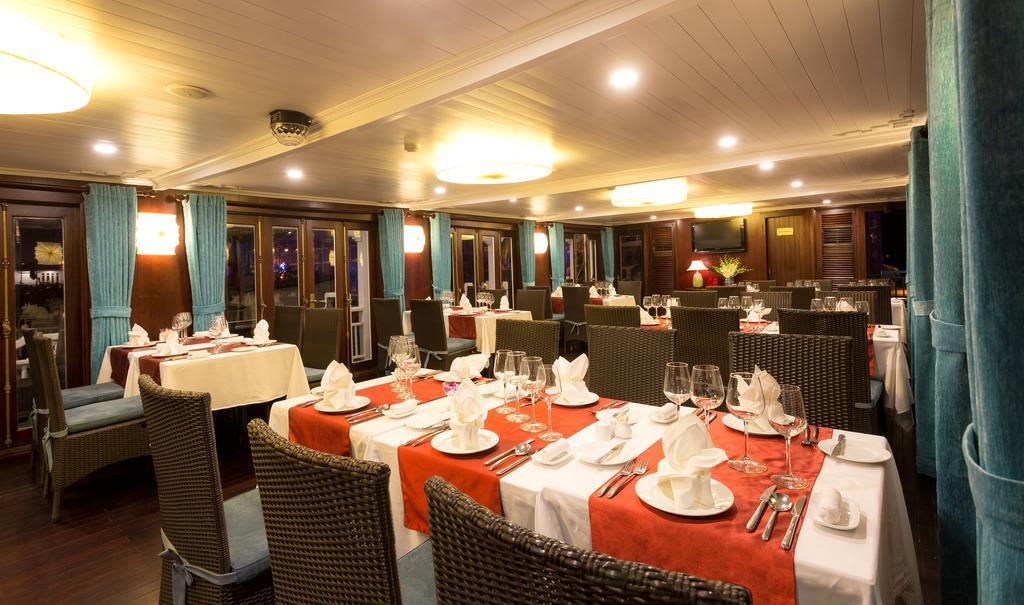 Tour Hạ Long du thuyền 4 sao - Tiên Phong Travel