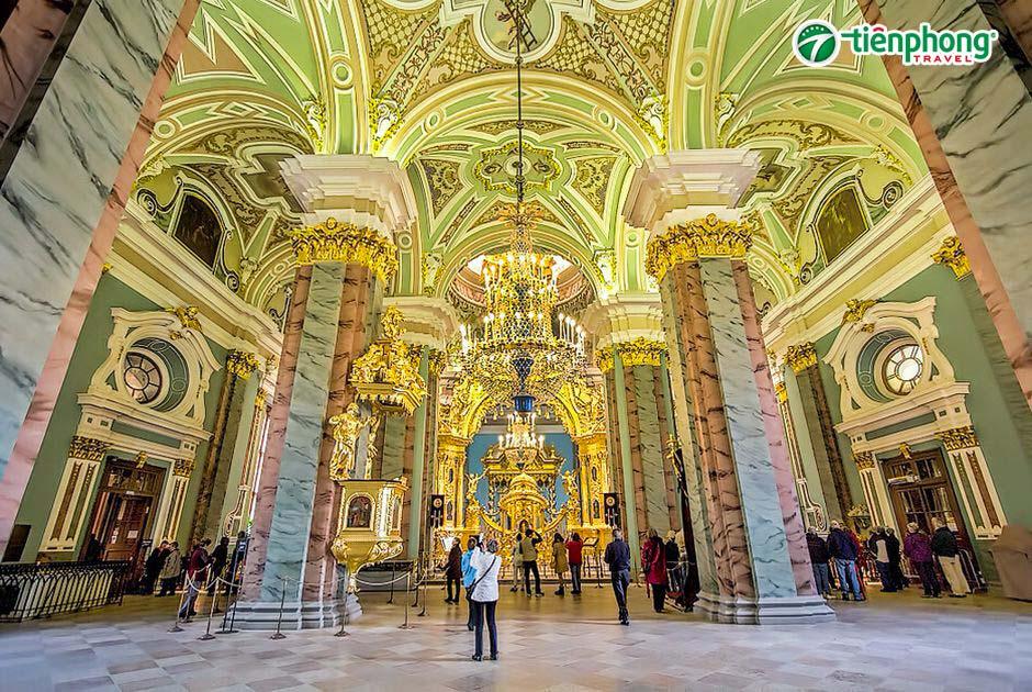 trung tâm tôn giáo Saint Peter và Paul Cathedral