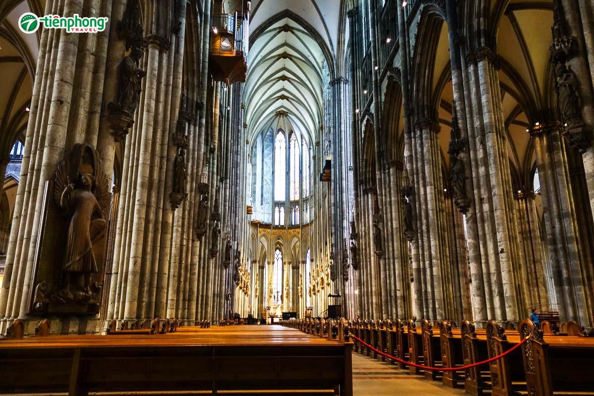 Nhà thờ lớn Dom Đức