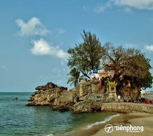 Du lịch Phú Quốc - Hoàng hôn trên miếu cổ Dinh Cậu