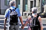 Xem ngay 7 kinh nghiệm đi du lịch cho người cao tuổi không phải ai cũng biết