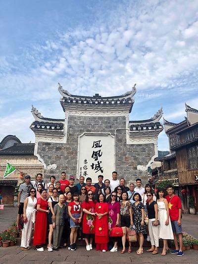 Chú Hoàng Nam - Tour Phượng Hoàng cổ trấn tháng 7