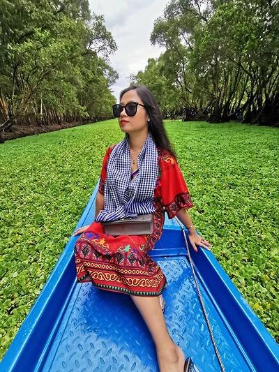 Chị Thùy Linh (phóng viên báo Gia Đình) - Tour Miền Tây 1/8