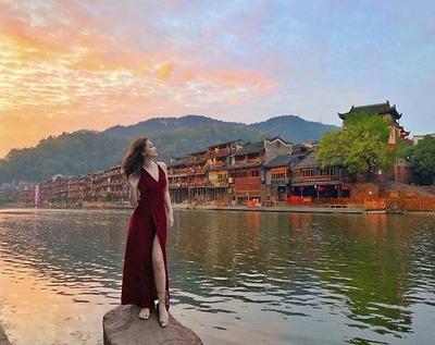 Phượng Hoàng cổ trấn Bay Thẳng Từ Hà Nội 6 ngày 5 đêm