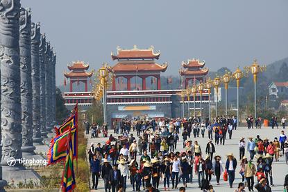 Du xuân Tây Thiên Thiền Viện Trúc Lâm
